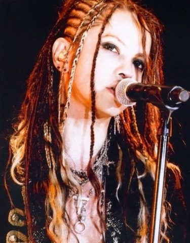 L'Arc en Ciel-hyde-female13.jpg